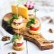 Как красиво и вкусно сделать канапе с креветками?