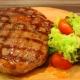 Как правильно приготовить стейк из свиной шеи?
