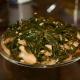 Как сделать сушеную морскую капусту и какие блюда из нее можно приготовить?