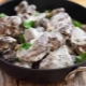Секреты приготовления куриной печени в сметане на сковороде