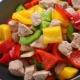 Готовим индейку с овощами на сковороде
