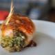 Как приготовить фаршированные куриные бедра?
