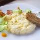 Как приготовить омлет со сметаной?