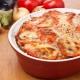 Как вкусно приготовить индейку с сыром и помидорами?