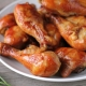 Как вкусно приготовить куриные ножки в медово-соевом соусе?