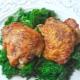 Как замариновать куриные бедра?