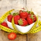 Клубничная диета: свойства ягоды для похудения и советы диетологов