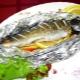 Запеченная рыба в фольге: свойства, способы и рецепты приготовления