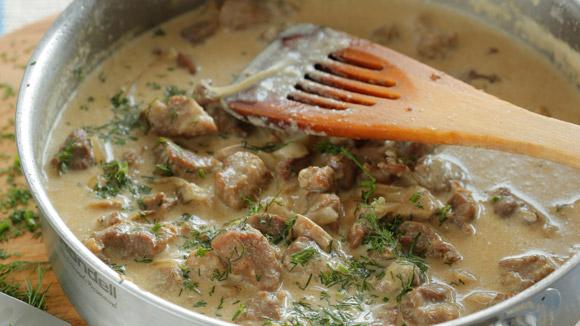 Приготовление свинины с грибами