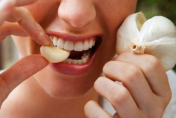 Как применять чеснок от зубной боли