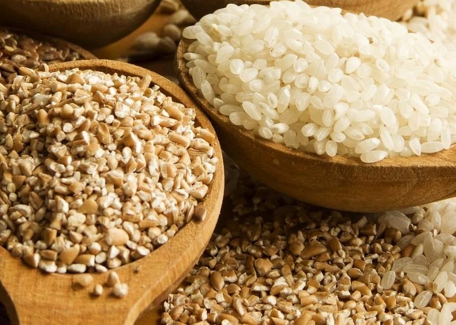 Что полезнее — рис или гречка? Что эффективнее для похудения?