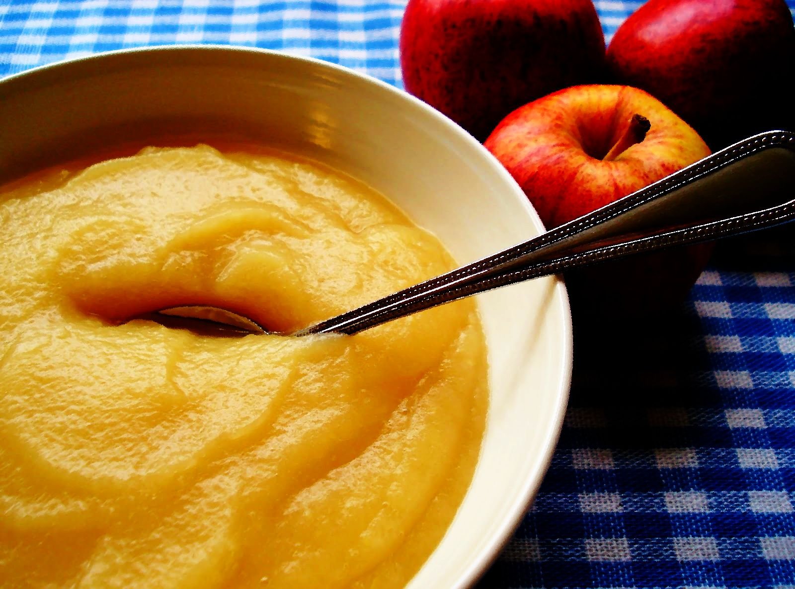 С какого возраста можно давать яблочное пюре