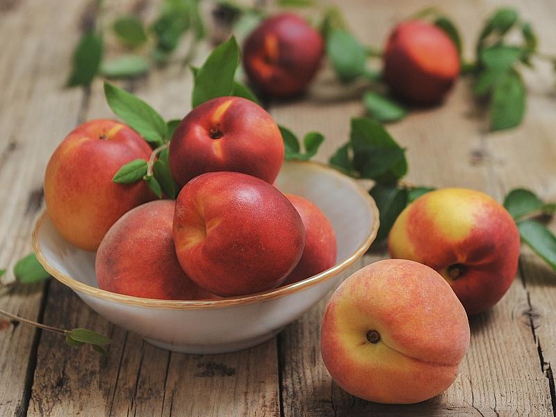 Как выбрать сочные персики, нектарины без нитратов?