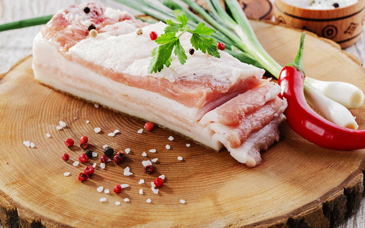 Сколько калорий в сале свином