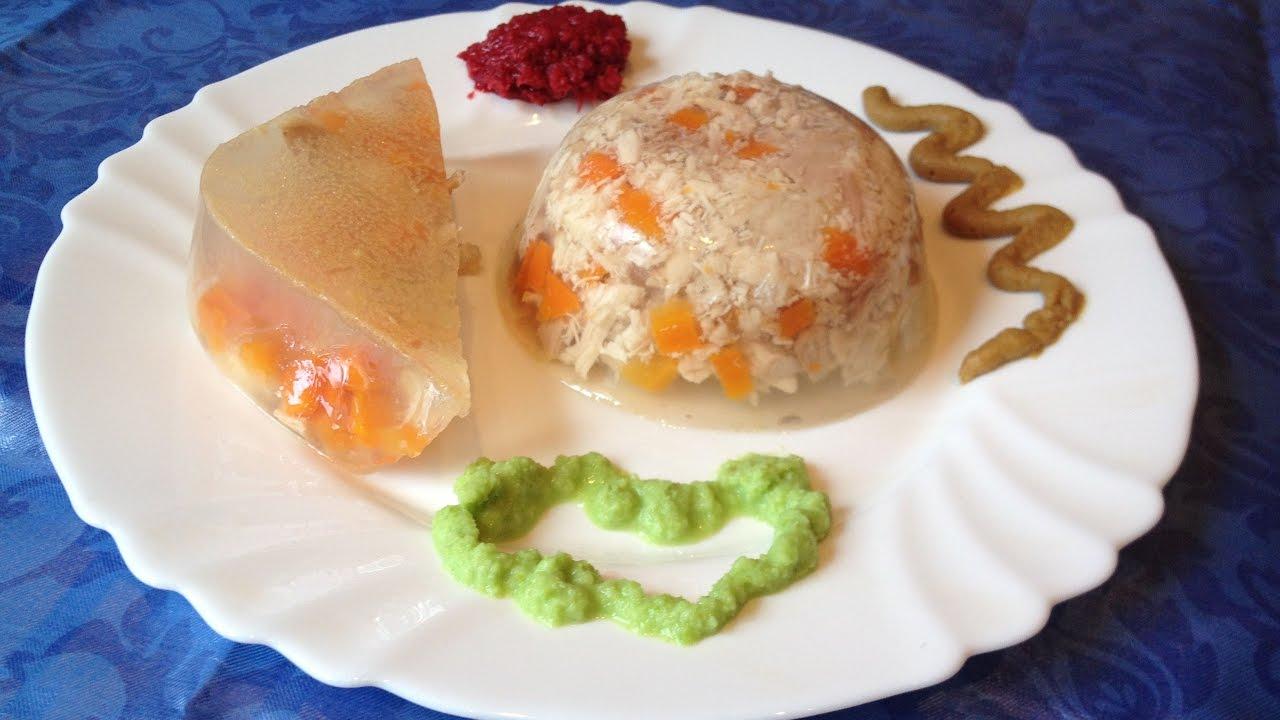 Для праздничного стола можно сделать в порционных формочках, украсив зеленью и морковью.