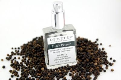 Перец черный применяют в парфюмерии