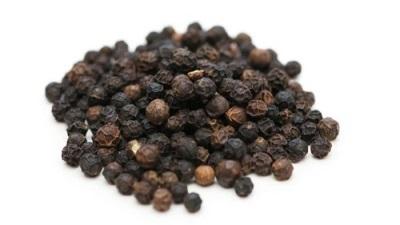 Черный перец горошком