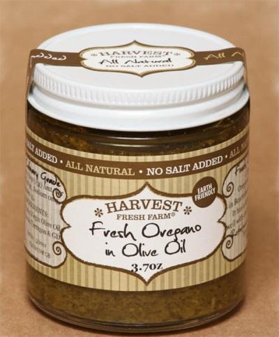 Свежее орегано с оливковым маслом
