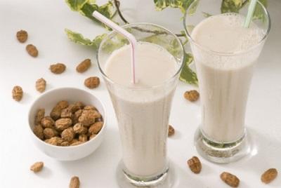 Миндальное молоко из чуфы - орчата
