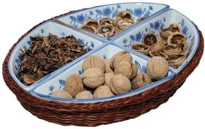 Использование грецких орехов в медицинских селях