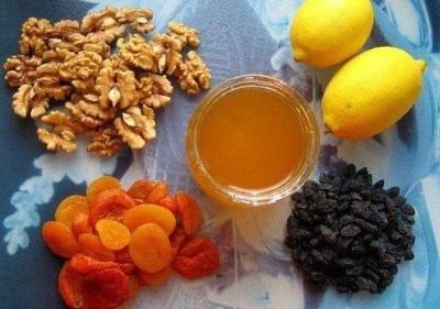Медово-ореховая смесь с сухофруктами