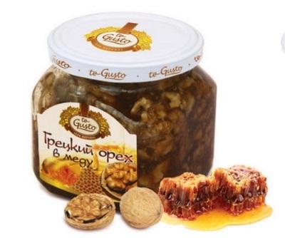 Смесь грецких орехов с медом используется при многих сердечно сосудистых заболеваний, болезней жкт и других