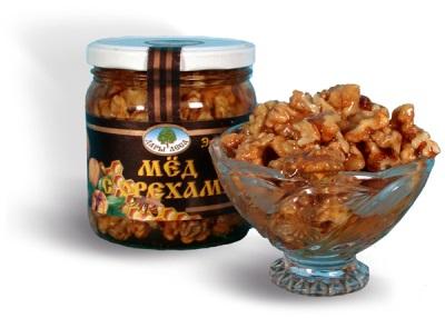 Мед с грецкими орехами полезен для мужчин - такая смесь восстанавливает потенцию