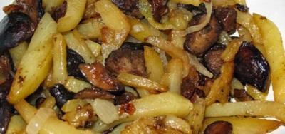 Жареный картофель с груздями