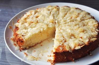 Яблочный пирог с кокосовой стружкой
