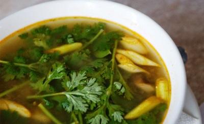Том Ям Кхе Кай – сваренный из куриного филе