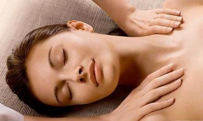 Расслабляющий массаж с маслом кориандра