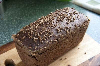 Черный хлеб с кориандром