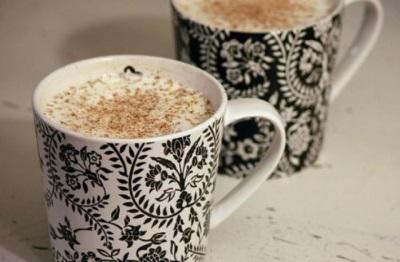 Белый горячий шоколад с мускатным орехом
