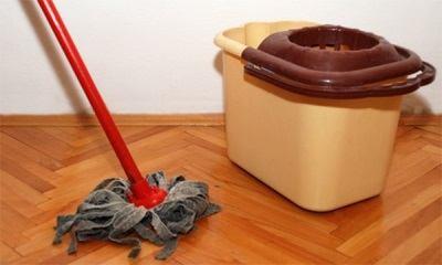Мытье полов отваром из полыни