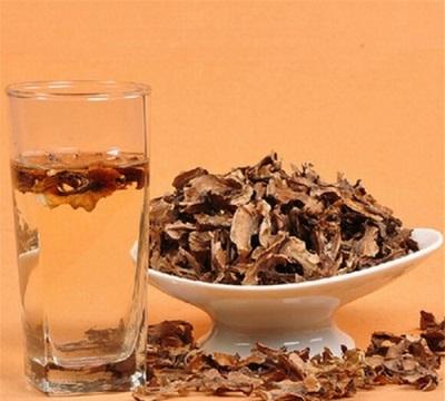 Перегородки грецкого ореха имеют множество полезных свойств для организма