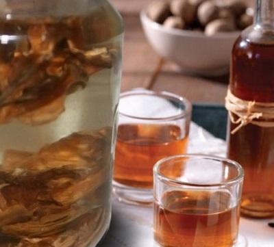 Настойки и отвары из перегородок грецких орехов применяют в лечебных целях