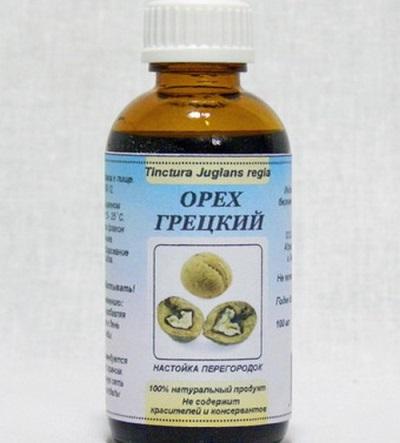 Настойка из перегородок грецкого ореха для лечения миомы и мастопатии