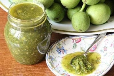 Использование зеленых грецких орехов при онкологии