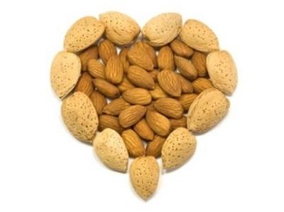 Миндаль популярен в диетическом питании для похудения