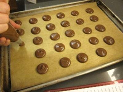 Популярное печенье макаруны - приготовление
