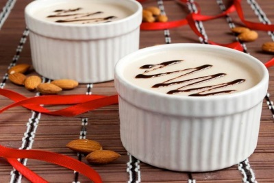 Желе из миндального молочка - Almond Pleasure