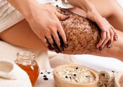 Подготовка кожи тела для обертывания с корицей