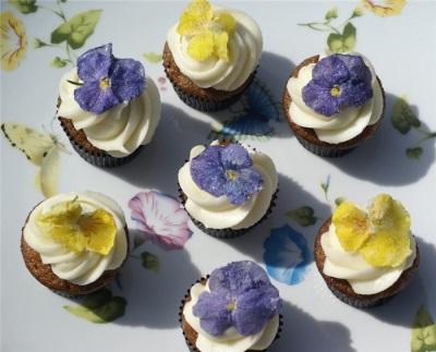 Мафины с цветами пеларгонии