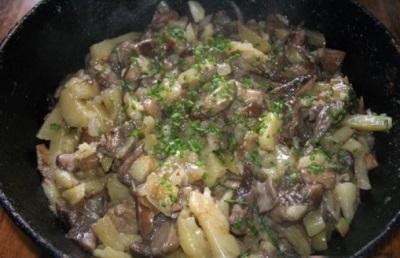 Жареные подберезовики с картофелем