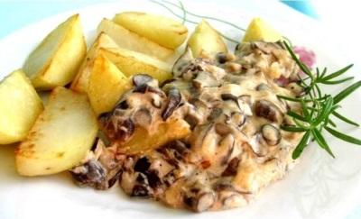 Подосиновики в сливочном соусе с картофелем