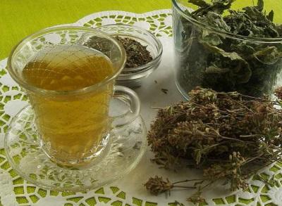 Чай из зверобоя, мяты и душицы
