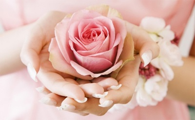 Вред и противопоказания розового масла