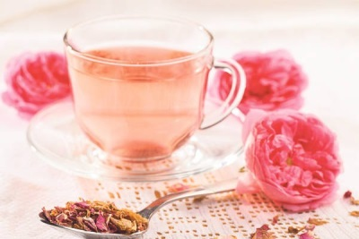 Чай из лепестков и бутонов роз