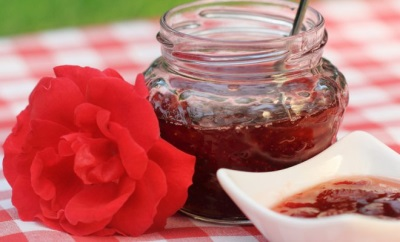 Варенье из лепестков роз с медом