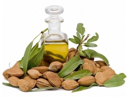 Миндальное масло: полезные свойства и вред, применение, эфирное масло из миндаля